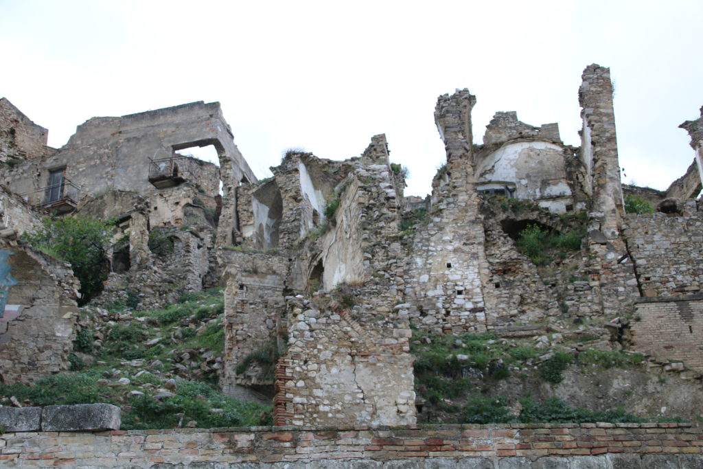bâtiments en ruine